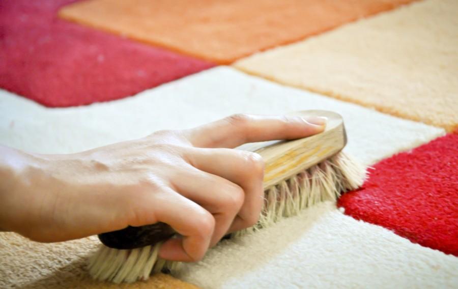 Как в домашних условиях почистить грязный ковер в домашних условиях
