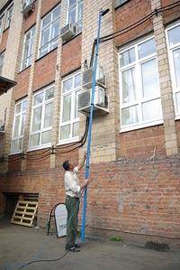 Система для мытья фасадов Elephant может работать на высоте 21 метр прямо с земли |