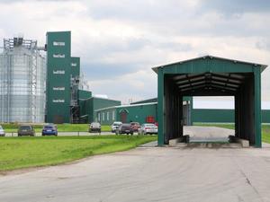 Фермеры внедрили централизованную систему раздачи моющих и дезинфицирующих средств  |